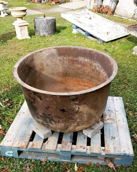 Famine Pot