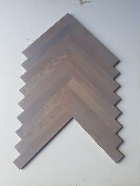 Flooring - Oak herringbone - stain 4