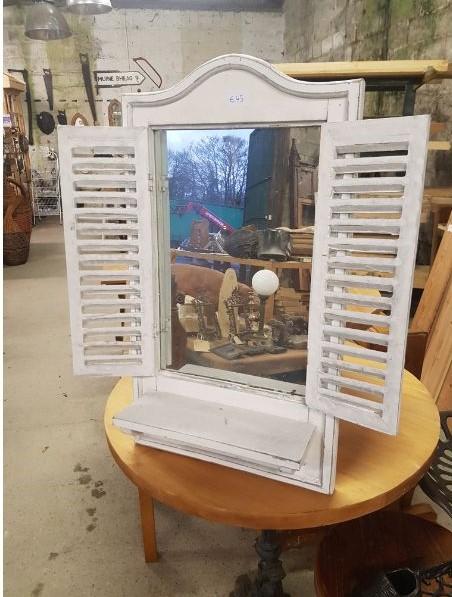 Shutter mirror with shelf